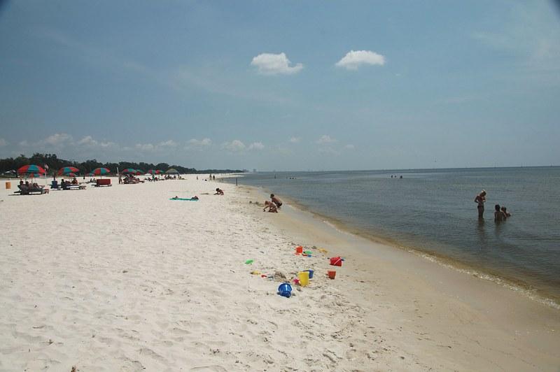 Deso18 Jpg Beach In Gulfport Ms